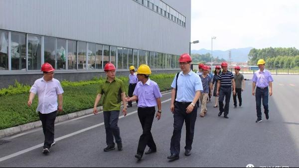 西安理工大学专家教授莅临双兴不锈钢管工厂调研
