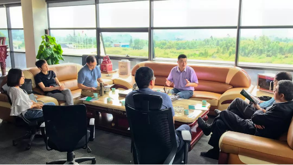 中国五矿商会、佛山外经贸系统领导莅临双兴指导工作